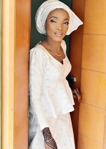 Opulent Brides R4B1 Image